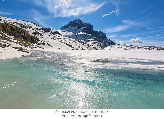 Europe, Italy, thaw at vacca Lake, Adamello park, province of Brescia