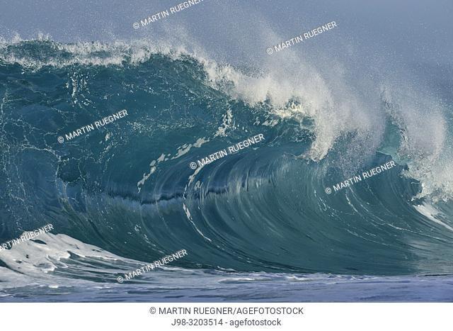Big dramatic wave. Oahu, Hawaii, USA, Pacific Islands, Pacific Ocean