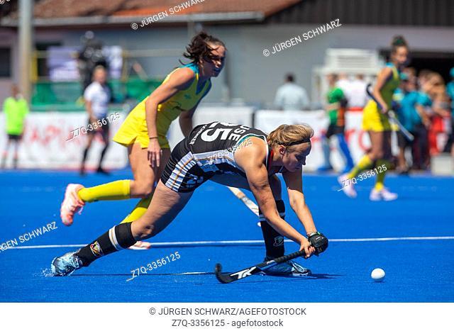 Krefeld, Germany, June 16 2019, hockey, women, FIH Pro League, Germany vs. Australia: Viktoria Huse (Germany) hits the ball