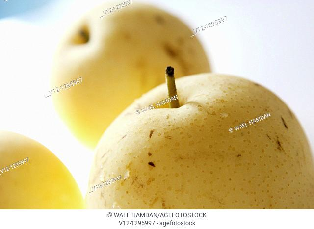Chinese apple, a fruit from Asia, tastes like pear