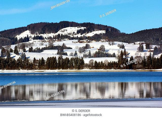 Forggensee lake and Zwieselberg mountain in winter, Germany, Bavaria, Oberbayern, Upper Bavaria, Ostalgaeu