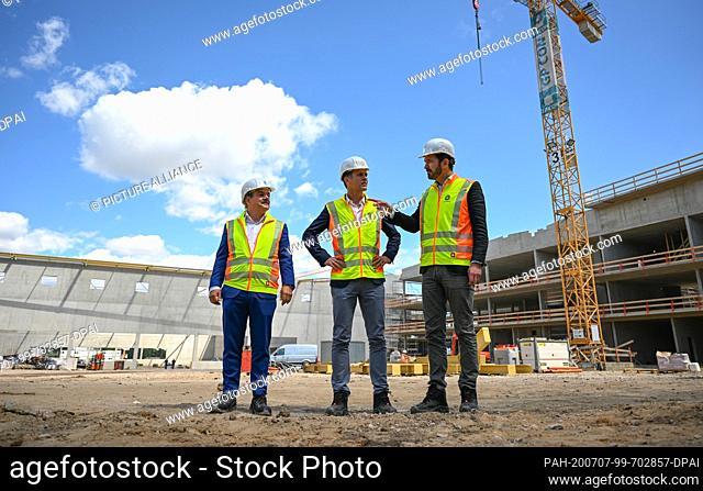 07 July 2020, Hessen, Frankfurt/Main: Peter Matteo (l-r), Managing Director Groß & Partner, Oliver Bierhoff, Director National Teams and Academy of the DFB