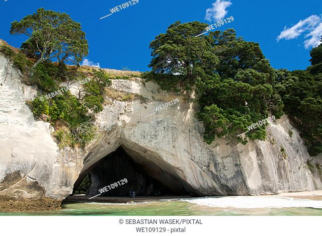Cathedral Cove, Te Whanganui-A-Hei Great Bay of Hei, Marine Reserve, Coromandel Peninsula, North Island, New Zealand
