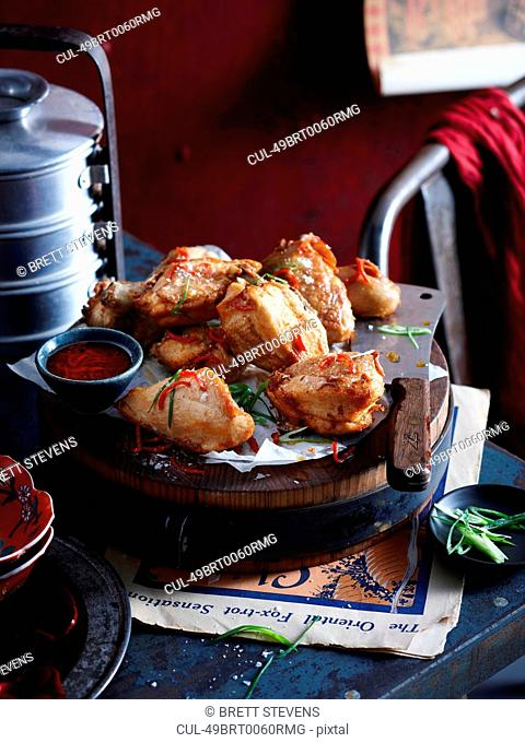 Roasted chicken with onion and sauce
