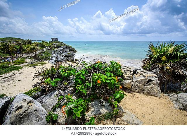 Main structure over the Caribbean sea in the mayan site of Tulum, Quintana Roo (Mexico)