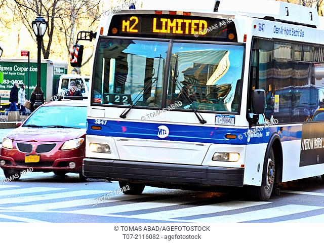 Morning rush hour, MTA M2 Limited bus, Public Transportation, Mass Transit via on 5th Avenue, Upper East Side, 59th Street, Midtown Manhattan, New York City