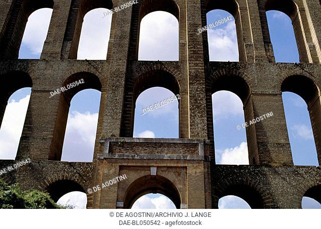 Bridges of the Valley or Carolino aqueduct, 1753-1759, architect Luigi Vanvitelli (1700-1773) (UNESCO World Heritage List, 1997), Valle di Maddaloni, Campania
