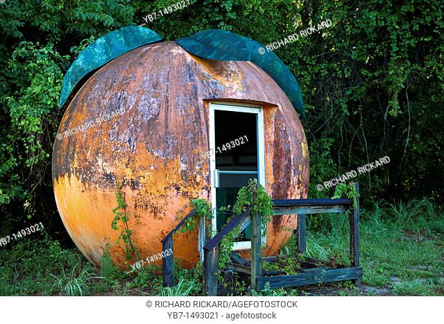 Old Building shaped as a big Orange, Abandoed  Florida, USA