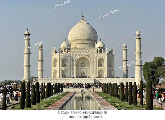 Taj Mahal Tomb, UNESCO World Heritage Site, Agra, Uttar Pradesh, India, Asia