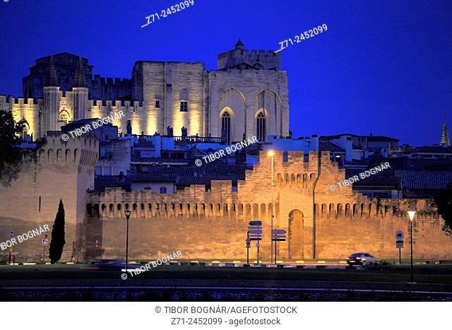 France, Provence, Avignon, skyline, general view