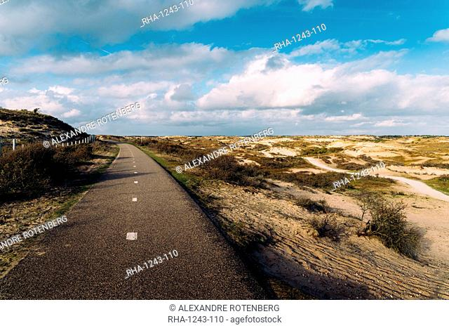 A paved cycling path along the Dutch coast, Zeevort, The Netherlands, Europe