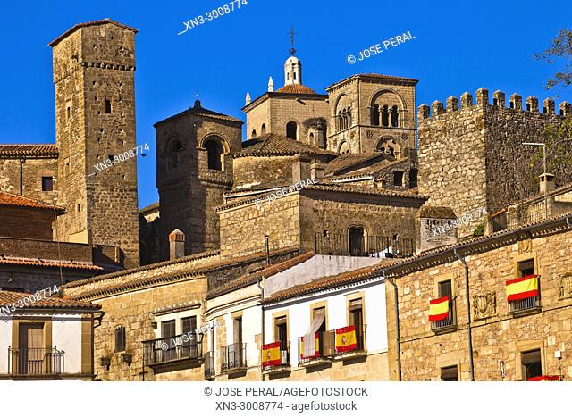 Tower of Luis Chaves el Viejo and church of Santiago from Plaza Mayor, Main Square, Trujillo, Caceres Province, Extremadura, Spain, Europe