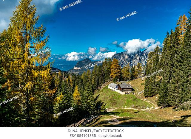 Panoramic view of the Voelseggspitz, Hammerwand and Mittagskofel mountains and the Baumann Schwaige in the Schlern Rosengarten massif area