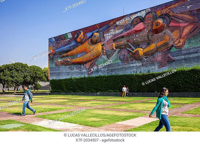 `El pueblo a la universidad, la universidad al pueblo por una cultura nacional neohumanista de profundidad universal' mural by David Alfaro Siqueiros