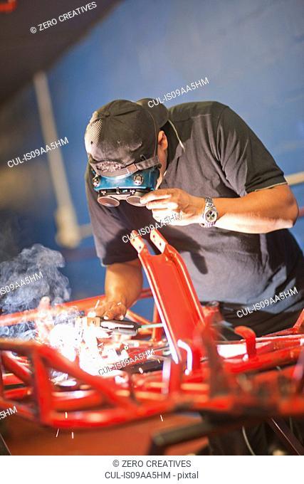 Mechanic welding go cart