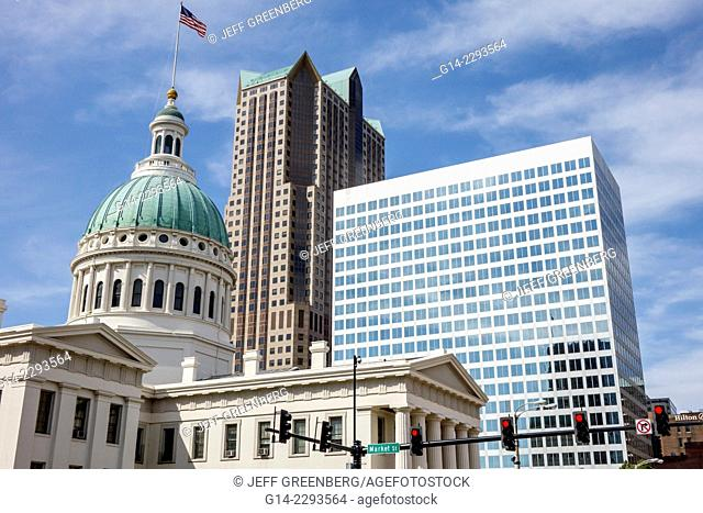 Missouri, Saint St. Louis, North Broadway, Market Street, Old Courthouse, Court House, One Met Metropolitan Square, skyscraper, high rise, office building