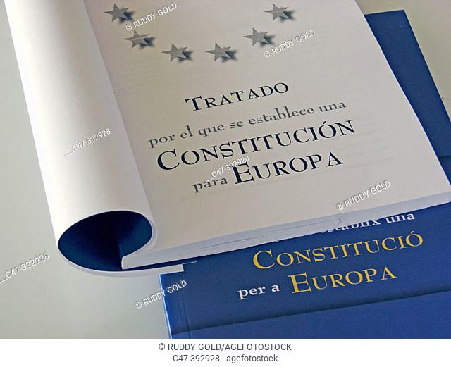 Treaty Establishing a Constitution for Europe (Spanish and of Catalan language underneath)