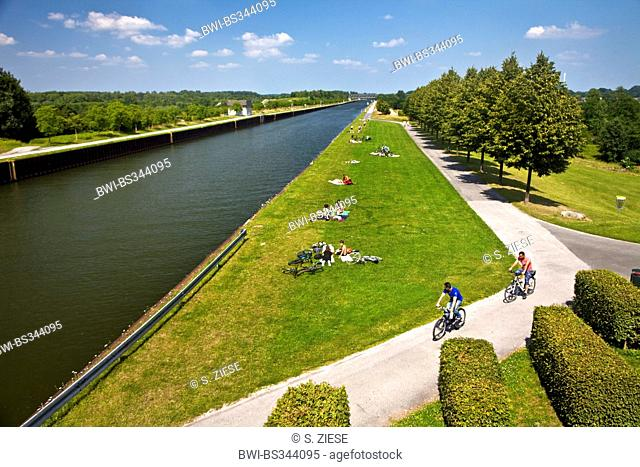people at Datteln-Hamm canal, Germany, North Rhine-Westphalia, Luenen