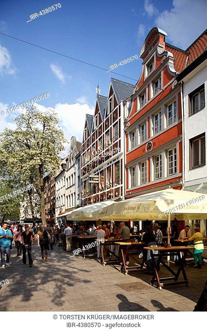Brewery Zum Schlüssel, Bolkerstraße, historic centre, Düsseldorf, North Rhine-Westphalia, Germany