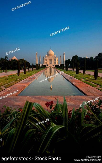 Empty Distant Taj Mahal Reflection in Fountain