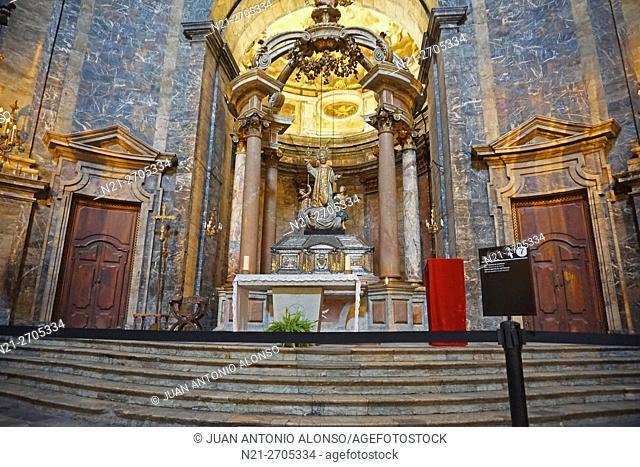 Sant Feliu Church interior. City of Girona, Catalonia, Spain, Europe