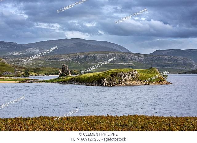 16th century Ardvreck Castle ruins at Loch Assynt in the Highlands at sunset, Sutherland, Scotland, UK