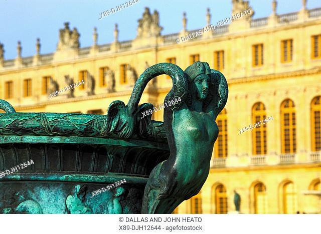 France, Versailles, Château de Versailles, Palace Gardens, Sculptured Vases, Mythical Female Figure