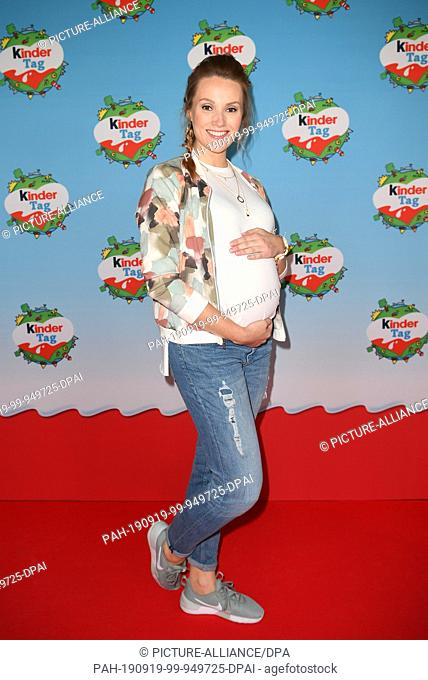 "19 September 2019, Berlin: Anna Hofbauer, former bachelorette, comes pregnant to """"kinder Tag 2019"""" in Radialsystem V on """"Kinder Tag 2019"""""