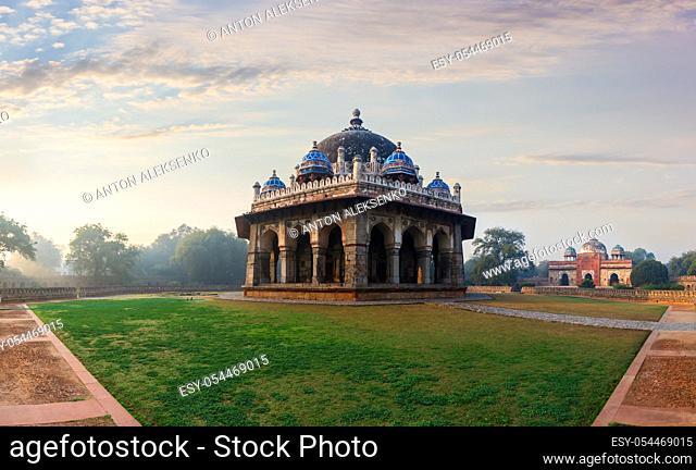 Isa Khan's Tomb in the morning light of Delhi, India