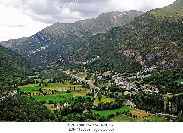 landscape, Barruera village, La Vall de Boi, Pyrenees, Lleida province, Catalonia, Spain, Europe, Landschaft, Dorf Barruera, La Vall de Boi, Pyrenaeen