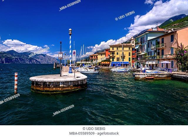 Italy, Veneto, Lake Garda, Castelletto di Brenzone, harbour