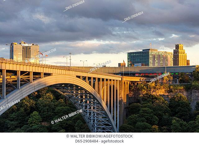 Canada, Ontario, Niagara Falls, Rainbow Bridge