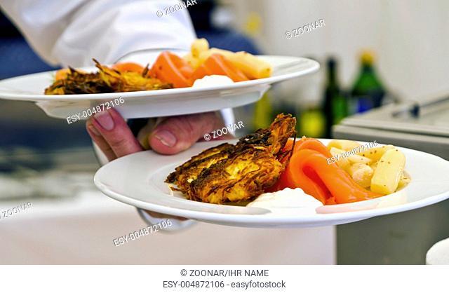 Essen servieren