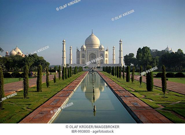 Mausoleum of the Taj Mahal, Agra, Uttar Pradesh, North India, India, Asia