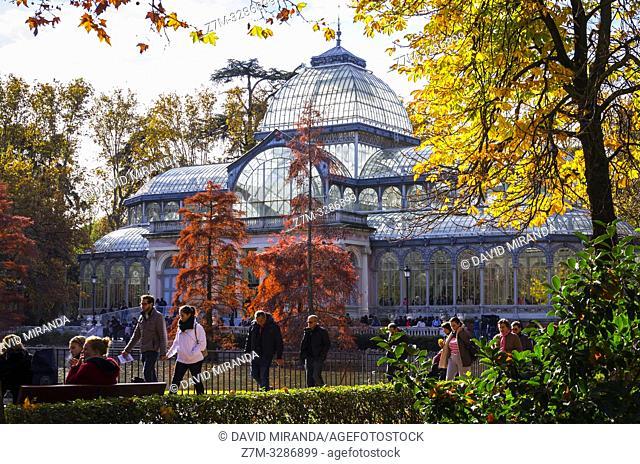 Palacio de Cristal en el Parque de El Retiro. Madrid. España