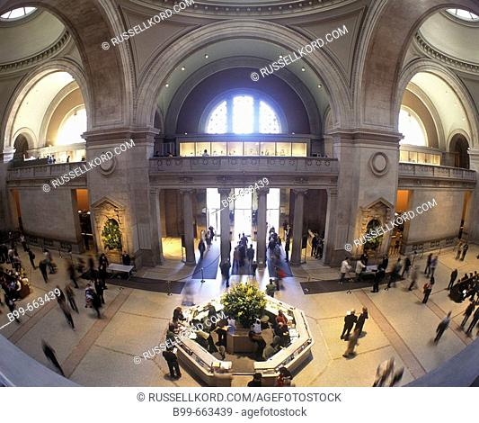 Main Entrance Hall, Metropolitan Museum Of Art, Manhattan, Nyc, USA