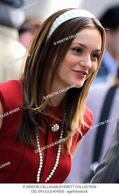 Leighton Meester on location for GOSSIP GIRL Season Three Shooting in Manhattan, Upper East Side, New York, NY July 13, 2009