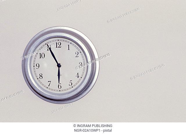 Clock Reading 5:55