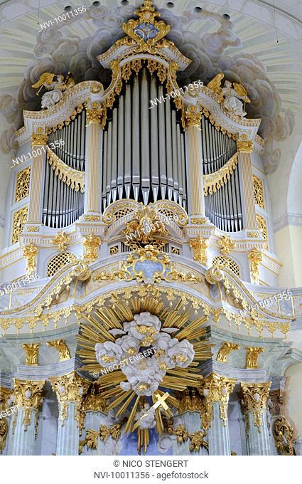 Organ of Frauenkirche Church, Dresden, Saxony, Germany, Europe