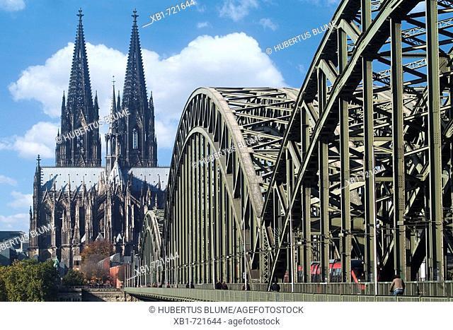 Cologne Cathedral and Hohenzollern bridge, Cologne, Northrhine-Westfalia, Germany