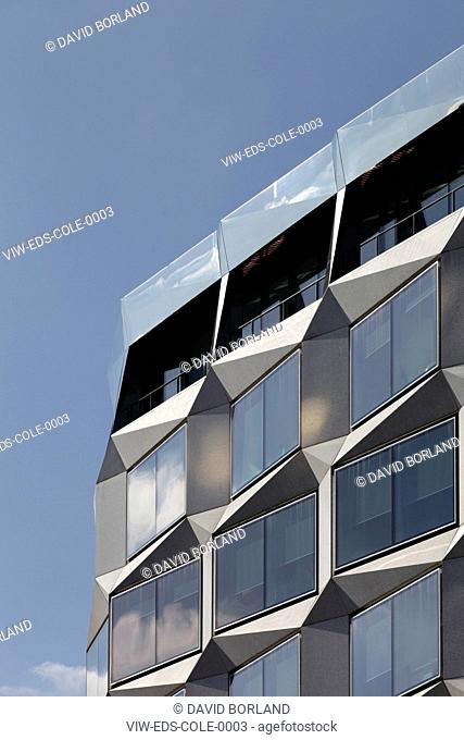 1 Coleman Street David Walker Architects / Swanke Hayden Connell Architects London 2008 Detail of Coleman Street facade in morning light