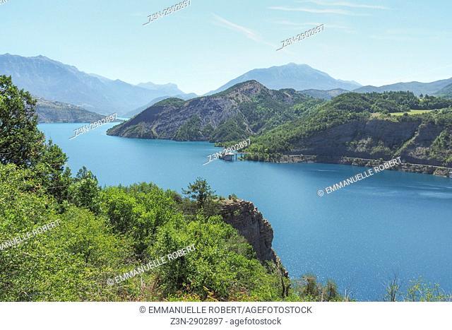 Lac Serre-Ponçon, Barrage, Hautes Alpes, Provence Alpes Côte d'Azur, France, Europe
