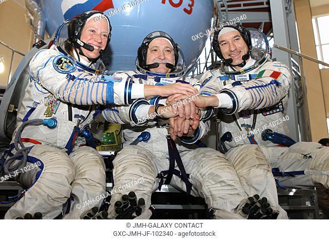 At the Gagarin Cosmonaut Training Center in Star City, Russia, Expedition 3637 Flight Engineer Karen Nyberg of NASA (left)
