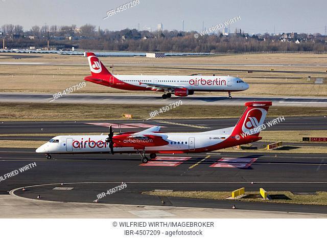 Airberlin aircraft, runway, Düsseldorf Airport, Düsseldorf, North Rhine-Westphalia, Germany