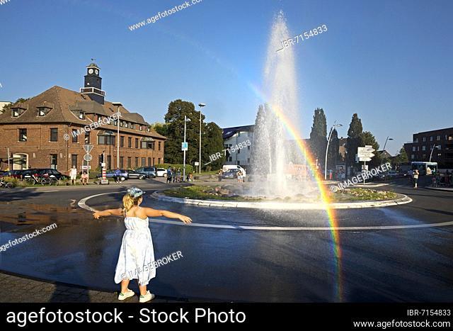 Monheim Geyser in the roundabout, Monheim am Rhein, North Rhine-Westphalia, Germany, Europe