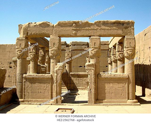 On the roof of Hathor's Temple is this kiosk where every New Year, the goddess' image was taken in procession and waited for the dawn