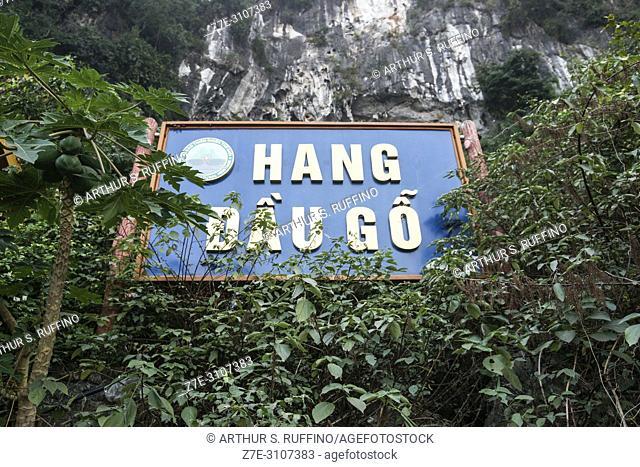 Dau Go Cave sign, Ha Long Bay, UNESCO World Heritage Site, Quang Ninh Province, Vietnam, Southeast Asia