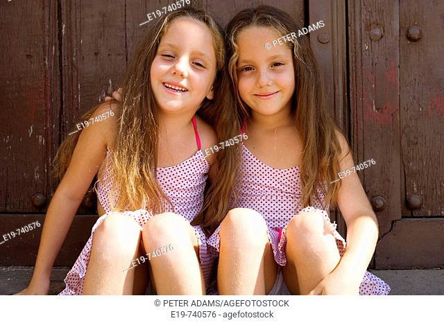Twins, Cuba