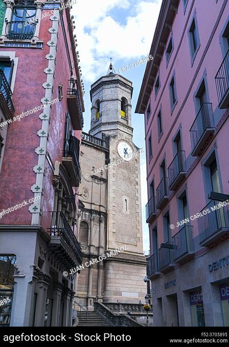 Sant Esteve Church, Olot, La Garrotxa region, La Garrotxa Natural Park, Girona Province, Catalonia, Spain