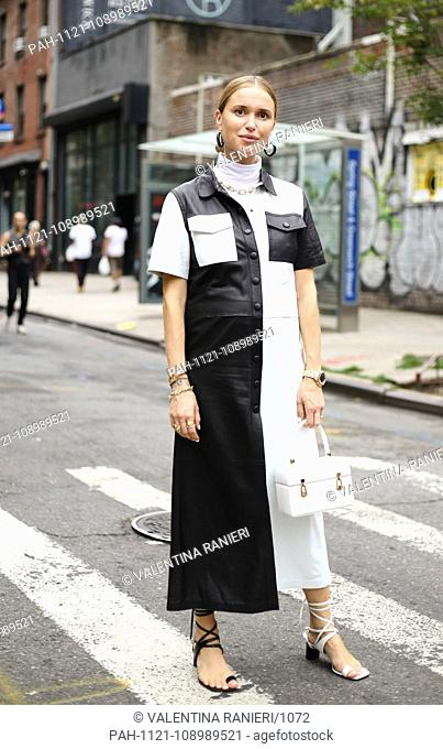 Stylist Pernille Teisbaek posing on the street during New York Fashion Week - Sept 11, 2018 - Photo: Runway Manhattan ***For Editorial Use Only?*** | usage...